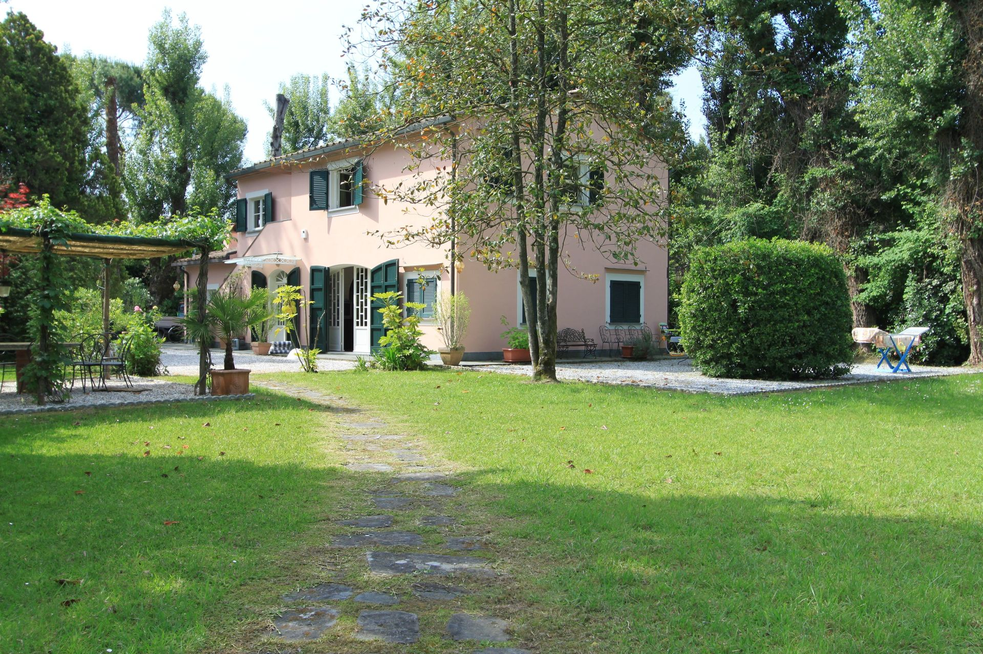 holiday rental the park located in forte dei marmi tuscany italy
