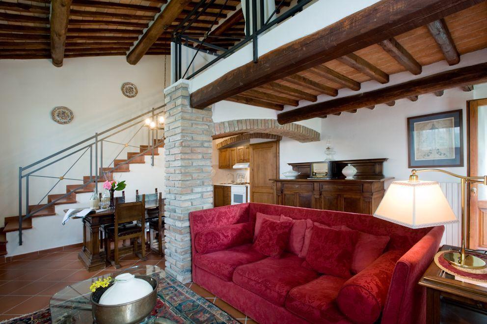 Accommodation Pergola | Castellina In Chianti, Tuscany, Italy.